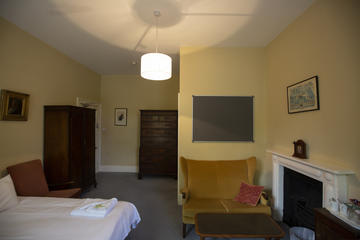 Typical ensuite room in 38 St Giles'